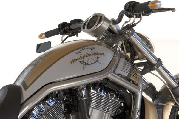 harley-lenker-superbike-silber